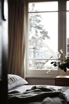 most doable relaxing bedroom i've seen yet.