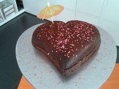 Bolo de Chocolate com Recheio de Praliné