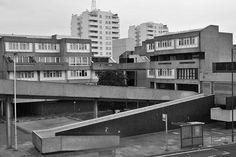 Thamesmead South by J@ck!, via Flickr London Street, London City, South London, Council Estate, Brutalist Buildings, Vintage Apartment, Tower Block, Social Housing, Arquitetura