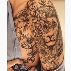 Do you also want flower tattoo to show yourself? Check out the most beautiful flower tattoo we have prepared for you! Lion Tattoo On Thigh, Lion Head Tattoos, Flower Thigh Tattoos, Leo Tattoos, Sunflower Tattoos, Future Tattoos, Sleeve Tattoos, Tattoo Sleeves, Tatoos