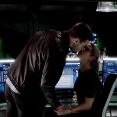 """""""We'll be fine! Kiss Her!"""" #Olicity"""