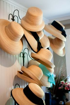 Need ideas on how to store your hats? These most creative hat rack ideas may help you doing your hat organization. Save it for later! Checkout This Hat Racks Lovely Diy Hat Rack Ideas to Make Y… Baseball Hat Racks, Cowboy Hat Rack, Diy Hat Rack, Hat Organization, Diy Organizer, Organizing, Hat Holder, Hat Storage, Storage Ideas