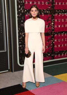 Hailee Steinfeld in a Stella McCartney jumpsuit at the 2015 MTV Video Music Awards (Photo: Jason Merritt/Getty Images)