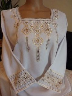 Hardanger Embroidery, Folk Embroidery, Hand Embroidery Designs, Embroidery Dress, Embroidery Patterns, Russian Cross Stitch, Beaded Cross Stitch, Afghan Clothes, Afghan Dresses