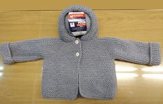 Abrigo de #bebé tejido con 3 ovillos de #Merino Plus de @lanemondial #crochet #knitting #handmade