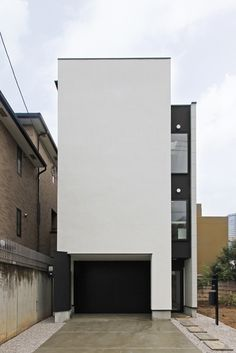 Modern Townhouse, Narrow House, Box Houses, Japanese Architecture, White Houses, Facade, Minimalist, Backyard, Town House