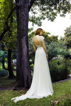 Wedding dress //Karolina// #romantic #openback #gown