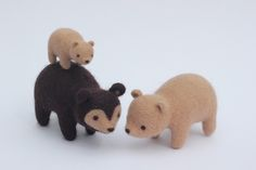 Needle felted bears by Chloe North