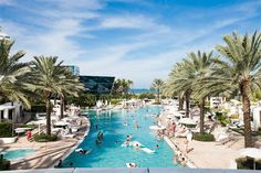 World Hotel Finder - Luxury Suites International at Fontainebleau