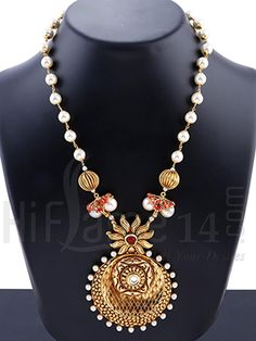Necklace Jewelry Set Decked with Pearls