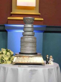 Stanley Cup Ice Hockey wedding cake- This would be a great Groom's cake!!!