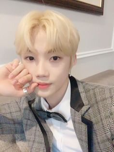 from the story 𝘱𝘪𝘻𝘻𝘢 𝘣𝘰𝘺 - chanhee by yeosangz (🧸) with reads. New Boyz, Blonde Asian, Fandom, I Love You All, Jawline, Asian Boys, Kpop Boy, Handsome Boys, Kpop Groups