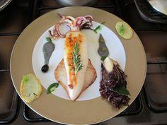 Calamar ròti grille avec radichie pomme  de  terre capres  et  sauce  noir  du calamar  mème  Gino D'Aquino