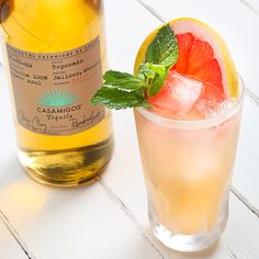 CASA GINGER MINT PALOMA 2 oz. Casamigos Reposado Tequila 1 1/2 oz. Grapefruit Juice 1 oz. Fresh Lime Juice 1/2 oz. Sugarcane Syrup 1/2 oz. Ginger Syrup 8-10 Mint Leaves Combine all ingredients into tin shaker. Muddle herbs. Add ice. Shake vigorously for 8-10 seconds. Fine strain into highball glass. Add fresh ice. Garnish with grapefruit wheel and mint sprig.