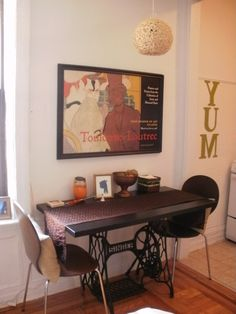 Antique Singer Sewing Machine Dining Room Table #Antique, #DiningRoomTable, #SewingMachine