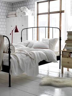 Home and Delicious: old but new from IKEA...an altogether great look. Vet creative those Ikea designers!!