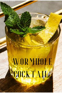 If You Like a Martini, It's Time You Tried a Wormhole Warrior Festive Cocktails, Christmas Cocktails, Craft Cocktails, Fun Drinks, Vodka Cocktails, Party Drinks, Beverages, Low Alcohol Drinks, Alcoholic Drinks