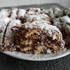 Kókuszos kekszes tekercs ahogy én készítem 🥥🥧 Krispie Treats, Rice Krispies, No Bake Cake, Ice Cream, Sweets, Baking, Food, Cakes, No Churn Ice Cream