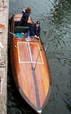 Wooden Boat / Blackthorn (Tom Horn)