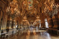 Paris http://www.whims.info/2015/12/travel-photography.html