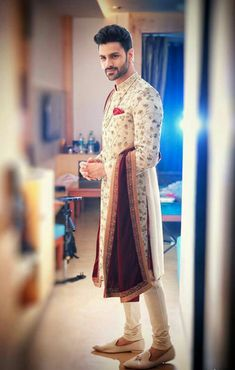 30 Outfits men can wear at an Indian Wedding - Indian groom wear - Sherwani For Men Wedding, Wedding Dresses Men Indian, Groom Wedding Dress, Sherwani Groom, Indian Wedding Outfits, Indian Weddings, Punjabi Wedding, Boho Wedding, Farm Wedding