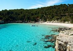 Menorca statt Mallorca! Die kleine Nachbarinsel entdecken.