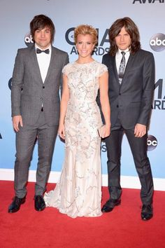 CMA Awards 2013 red carpet: Taylor Swift, Carrie Underwood and Country Music Artists, Country Music Stars, Country Singers, American Country Music Awards, Country Music Association, Celebrity Books, Celebrity Style, Carrie Underwood