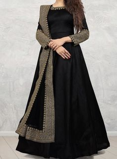 Party Wear Indian Dresses, Pakistani Fashion Party Wear, Indian Fashion Dresses, Designer Party Wear Dresses, Indian Gowns Dresses, Dress Indian Style, Indian Designer Outfits, Party Wear Lehenga, Stylish Dresses For Girls