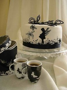 Bubolinkata: Cake design inspired by design on dinnerware.