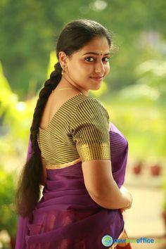 Anu Sithara Actress Photos Stills Gallery South Indian Actress Hot, Indian Actress Hot Pics, Most Beautiful Indian Actress, Beautiful Actresses, Actress Photos, Beautiful Girl In India, Beautiful Women Over 40, Beautiful Saree, Beautiful People