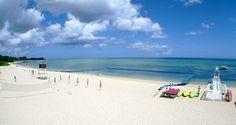 【沖縄:今帰仁村】ウッパマビーチ。広々とした砂浜が続くビーチ