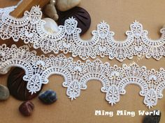 Venice Lace Trim  2 yards Ivory Aulic Features by mingmingworld, $8.00
