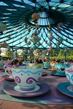 Disneyland Park, Fantasyland - Mad Hatter Tea Cups, Disneyland Paris
