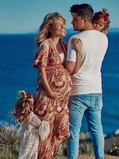 Aww how cute love them Cute Family, Family Goals, Newborn Pictures, Maternity Pictures, Maternity Photography, Family Photography, Tatum And Oakley, Everleigh Rose, Baby Bump Style
