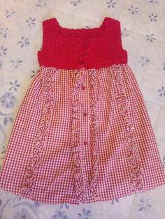 Vestito uncinetto e tela bambina interamente fatto a mano Pagina facebook Clara Fili e colori