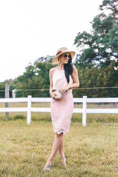 DTKAustin shares three of her favorite Kentucky Derby inspired looks. Whether you are going to a Derby party or the Derby itself, you are set with these fascinating hats and accessories. Spring Summer Fashion, Spring Outfits, Spring Style, Casual Dresses, Fashion Dresses, Derby Party, Colourful Outfits, Colorful, Dressed To Kill