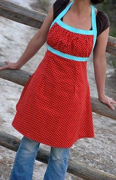 Emmeline Apron Sewing Pattern - $ - not tutorial but I do like the look of this one