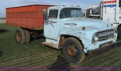 Farm Trucks, Old Trucks, 1956 Ford Truck, Ford Tractors, Old Farm, Semi Trucks, Cool Cars, Old School, Agriculture