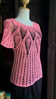 Fabulous Crochet a Little Black Crochet Dress Ideas. Georgeous Crochet a Little Black Crochet Dress Ideas. Black Crochet Dress, Crochet Lace, Crochet Tops, Diy Crafts Crochet, Crotchet Patterns, Pineapple Crochet, Crochet Woman, Crochet Cardigan, Crochet Fashion