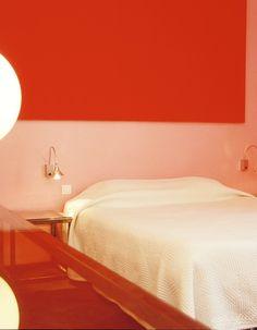 Warm, pink light brightening up our day. Hôtel Windsor. Nizza, France