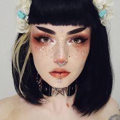 Soon I'll finish third bottle of vitamins and I can say that my hair is healthier and falling out less! Goth Eyebrows, Short Eyebrows, Straight Eyebrows, Popular Short Haircuts, Cute Hairstyles For Short Hair, Short Hair Cuts, Short Hair Styles, Flower Hairstyles, Edgy Makeup