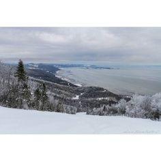 Nice day for... #ski #skiing #sky #skyporn #charlevoix #MonCharlevoix @lemassif #montains #fleuvesaintlaurent #accrodesmontagnes_qc #quebecenphotos by alain_blanchette