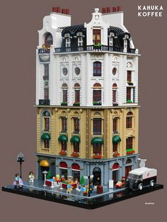 Koffee at the new LEGO café on the corner