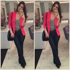 """""""Que tal com blazer pink? Estão quase esgotados, não deixe de garantir o seu! Para valores entrar em contato pelo whats (21) 99917-8768. Enviamos para todo…"""" Casual Jeans, Casual Chic, Casual Attire, Business Casual Outfits, Office Outfits, Work Casual, Business Attire, Professional Attire, Office Fashion"""