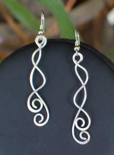 (http://stores.earthmaidens.com/dangles-earrings-er366/)