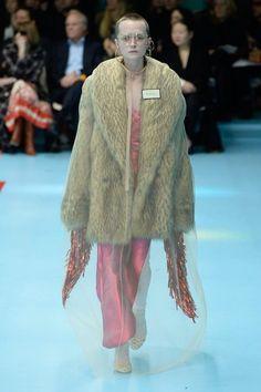 b2e050ec7 Gucci 2018 Fashion 2018 Trends, Fashion 2017, Milan Fashion Weeks, Runway  Fashion,