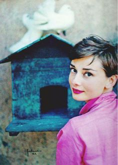 Audrey Hepburn in Italy, 1955. Photo: Philippe Halsman. Perfect Combo!