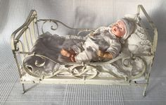 Altes Puppenbett um 1920 Metall Puppenstube Puppe Bett | eBay