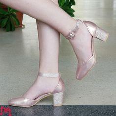Incaltaminte Stiletto Heels, Pumps, Shoes, Fashion, Moda, Zapatos, Shoes Outlet, La Mode, Pump Shoes