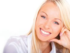 good smile | 10 Beauty Tricks That Can Make Guys Fall For You Natural Hair Care, Natural Hair Styles, Natural Skin, Natural Health, Health Guru, Oral Health, Womens Health Magazine, Hair And Makeup Tips, Pregnancy Health